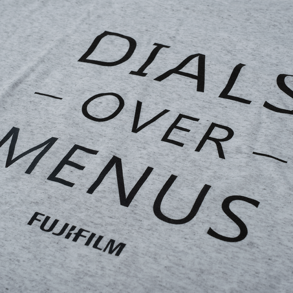 DIALS OVER MENUS T-SHIRT - WHITE FLECK