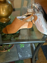 Load image into Gallery viewer, LIZ CLAIBORNE SLING BACKS SIZE 11