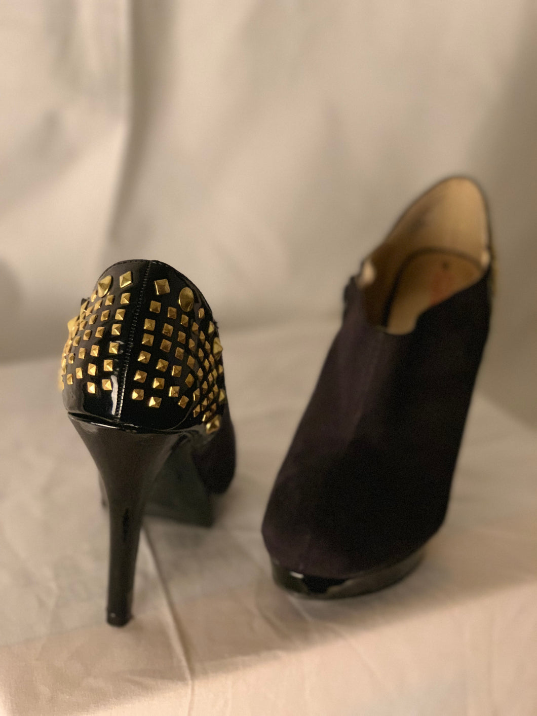 BLACK STUDDED BOOTIES SIZE 8