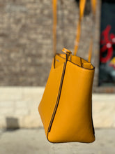 Load image into Gallery viewer, MICHAEL KORS MUSTARD TOTE