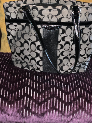 COACH SHOULDER BAG GENTLY USED