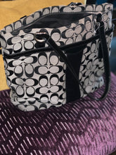 Load image into Gallery viewer, COACH SHOULDER BAG GENTLY USED
