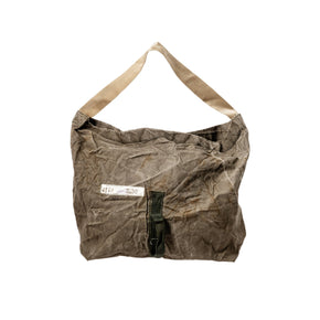 VINTAGE MATERIAL SHOULDER BAG