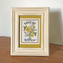 cream distressed photo frame