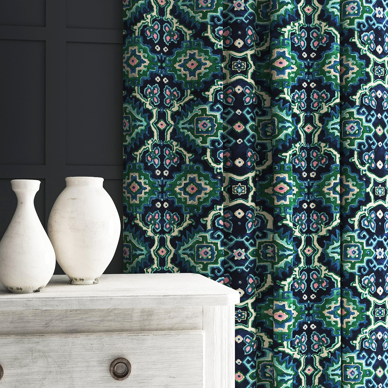 Velvet curtain in a printed velvet fabric with an oriental geometric design in blue and green colours