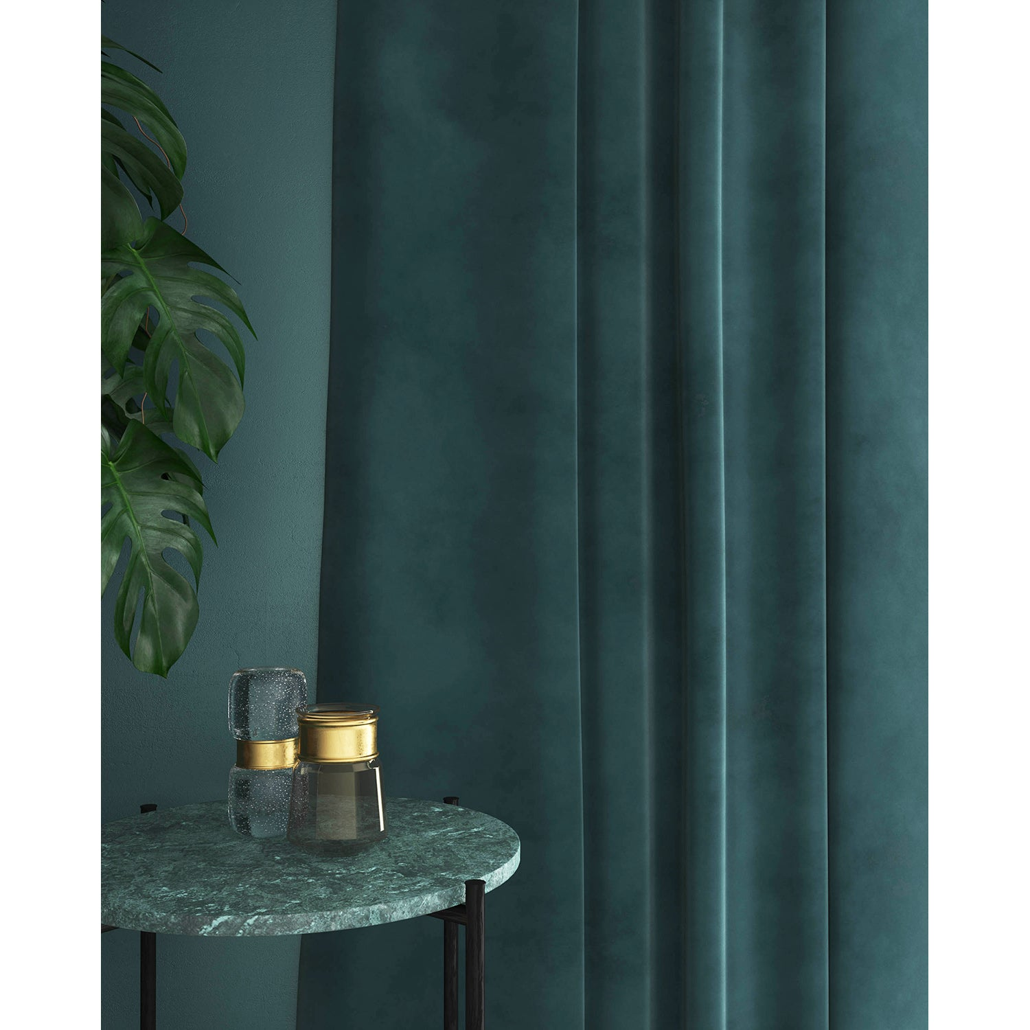 Curtain in a blue velvet fabric with a stain resistant finish