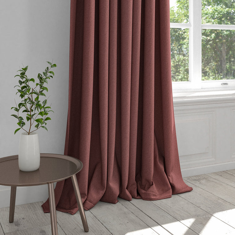 Curtain in a berry red plain washable cotton fabric