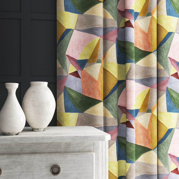Curtain in a multicoloured velvet fabric with a modern, geometric design