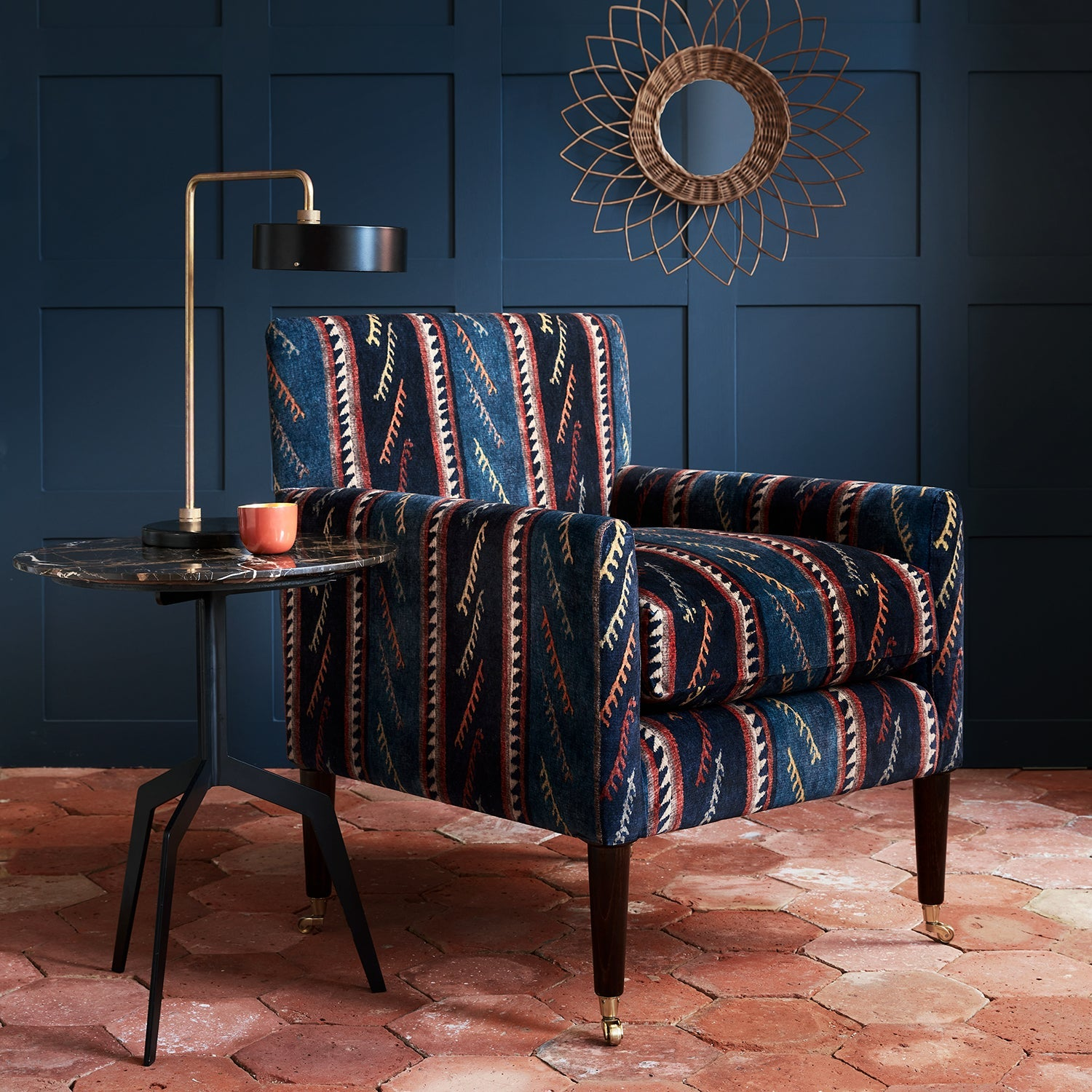 Velvet chair in a striped velvet fabric in dark blue colours with a stain resistant finish