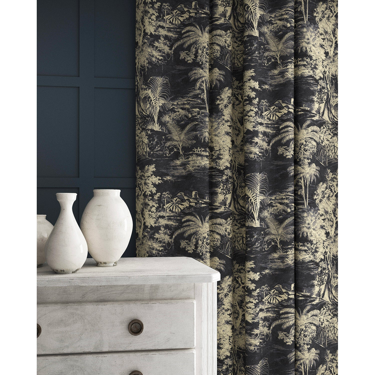 Curtain in a grey and white velvet fabric with stain resistant finish and palm tree design