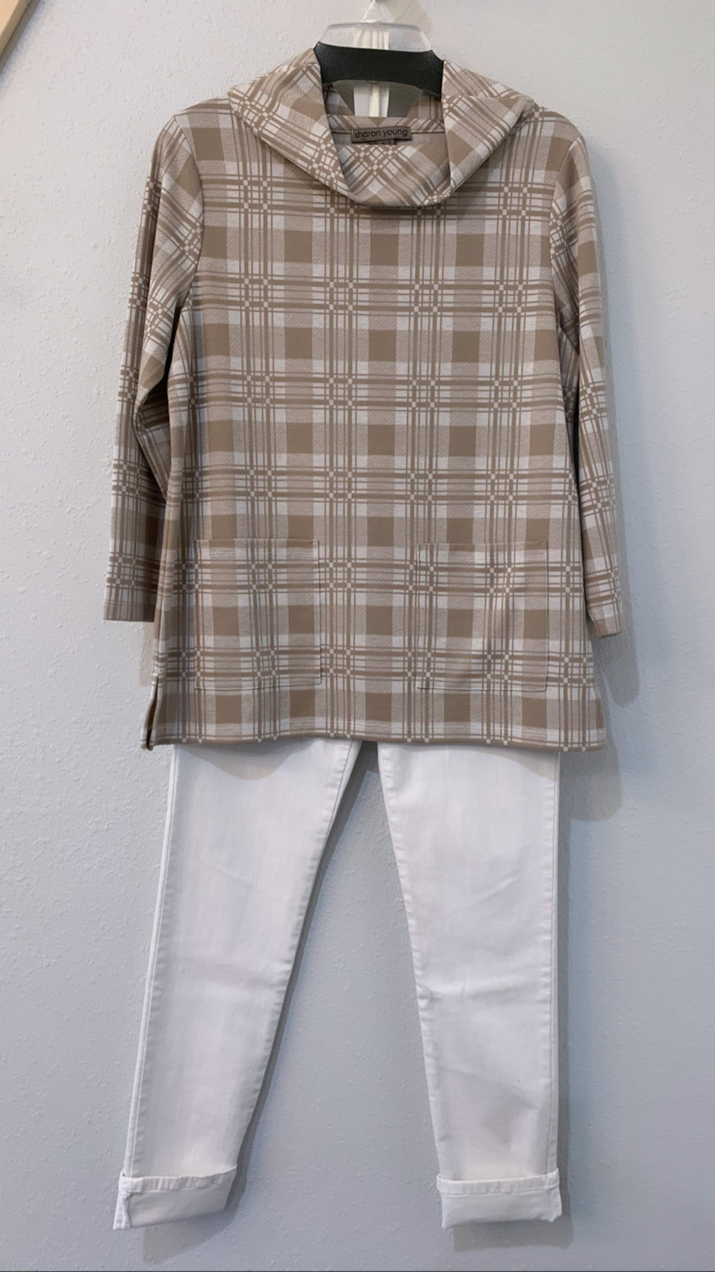 Plaid Pullover With Portrait Collar