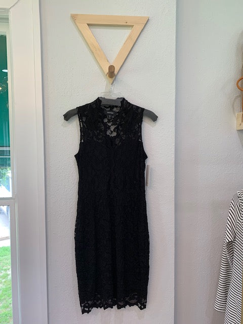 V-Neck Sleeveless Black Lace Dress