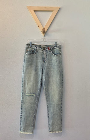 Skinny Crop Jean With Silver Detail
