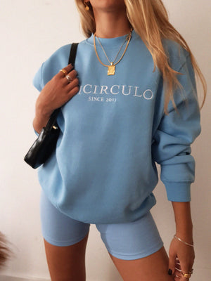 TRICIRCULO EMBROIDERY  SWEATSHIRT // baby blue