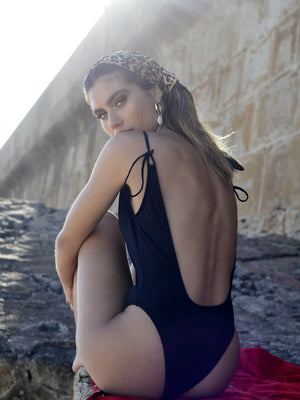 MONO BLACK // SWIMSUIT