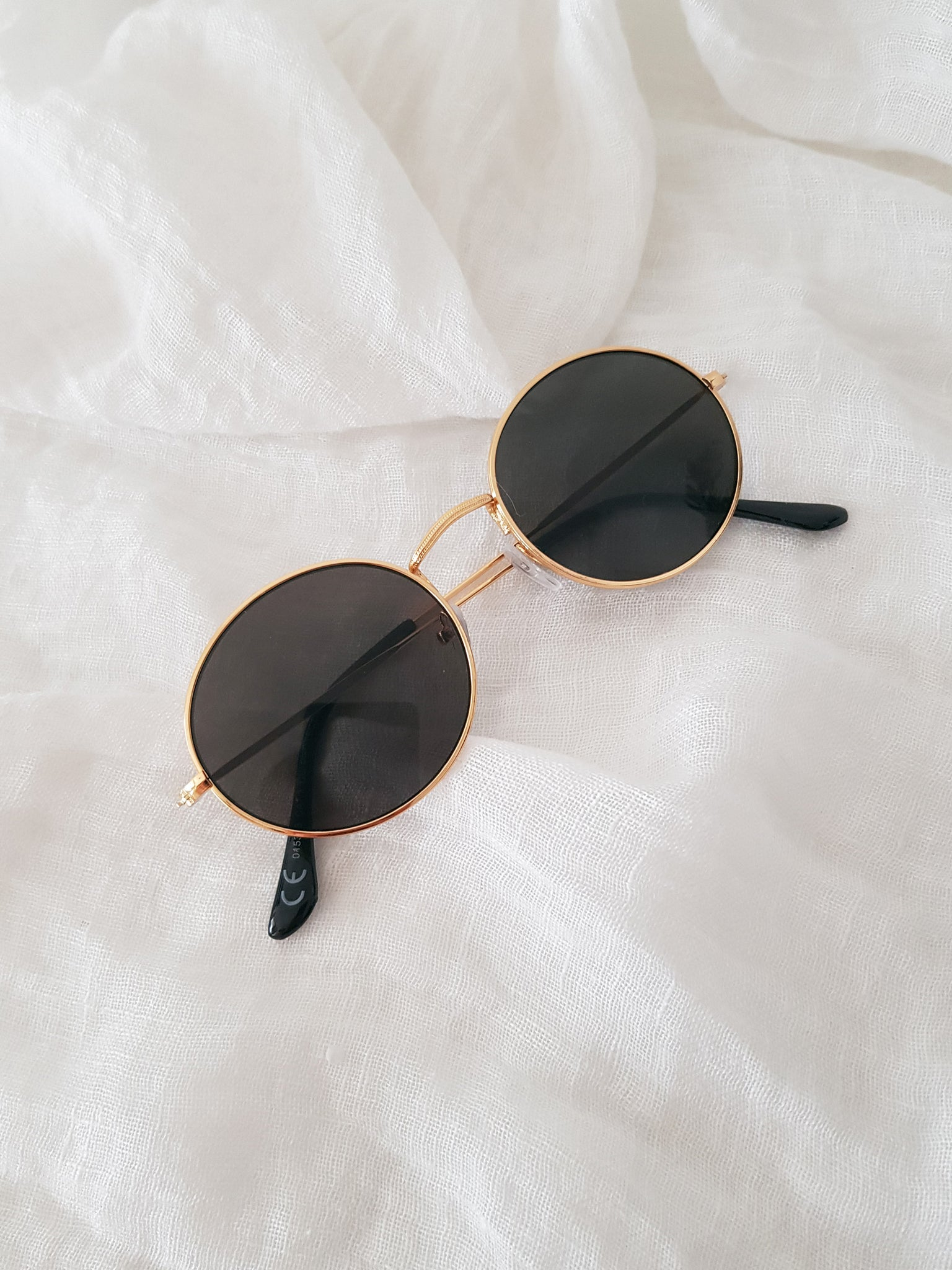 TWIN SUNNIES