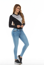 Load image into Gallery viewer, Light blue push up jeans w/ stylish frayed bottom
