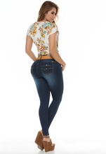 Load image into Gallery viewer, Dark blue faded push up skinny jeans w/ stylish back pockets and camel belt