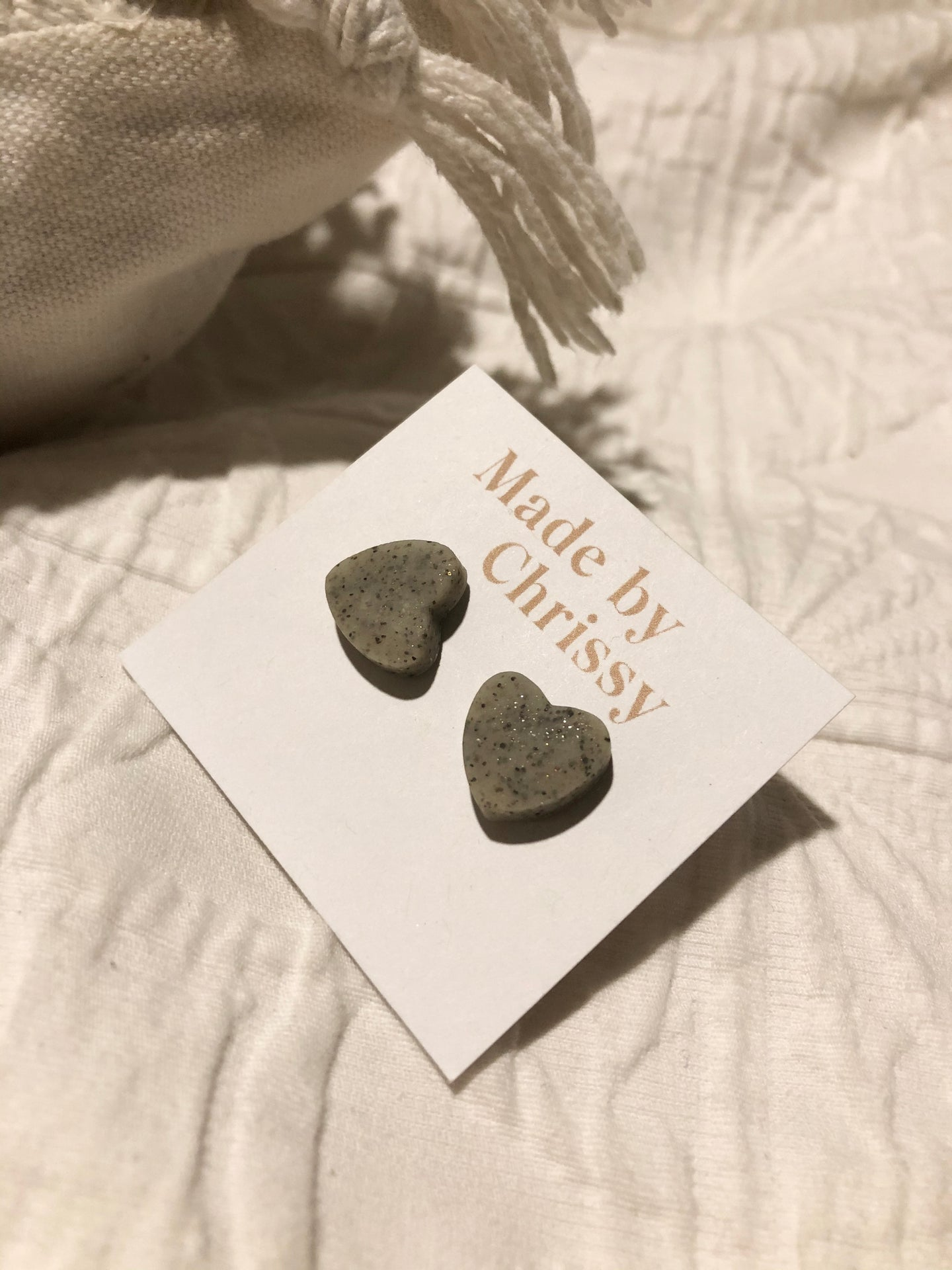 Heart Studs Grey Pebble