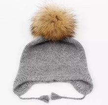 Load image into Gallery viewer, Baby angora pom hat