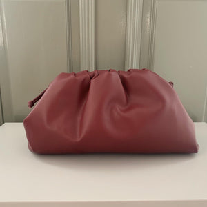 La poche burgundy large (3-5 days delivery)