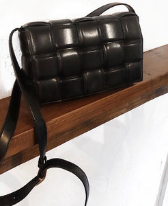 Matelasse bag Black (4-6 days delivery worldwide )