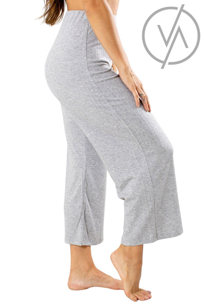 Gray Ribbed Yoga Athletic Pants for Women.