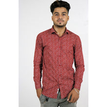 Load image into Gallery viewer, Ditsy Print Slim Shirt with Spread Collar (RED)