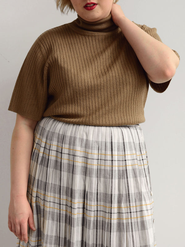Vintage Taupe Short Sleeve Ribbed Turtleneck