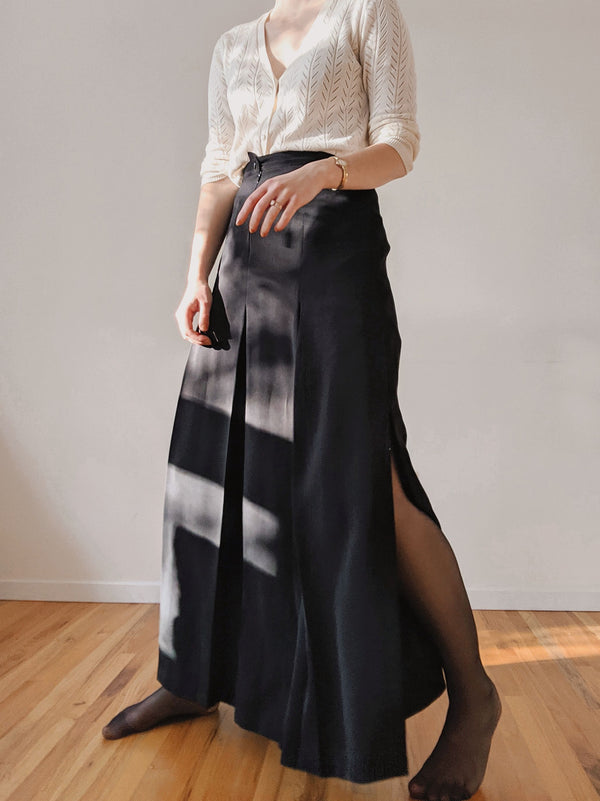 Vintage Black Pleated A-Line Slit Skirt