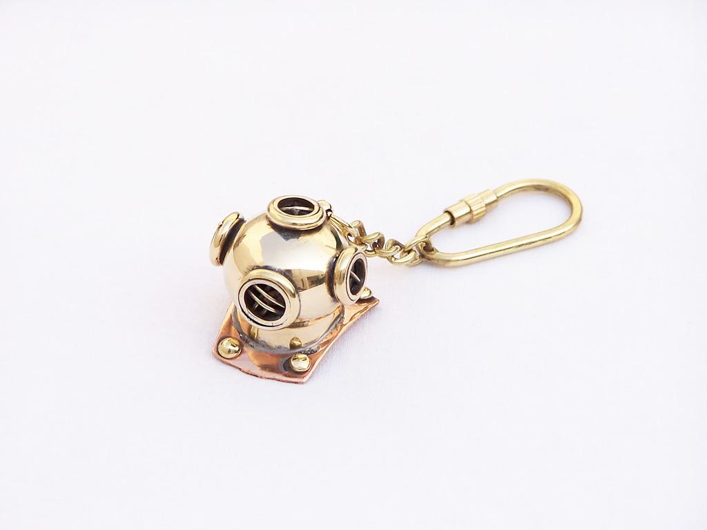 DIVING HELMET KEYRING