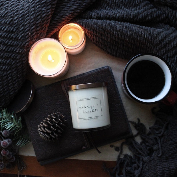 Christmas holiday candles from Grace + Bloom: merry + bright: a refreshing blend of tart cranberry and juicy orange, balanced by creamy vanilla and tonka bean. Fill your home with happy scents and warm holiday memories!
