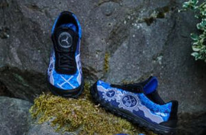 BTMR trail racing shoes on rock