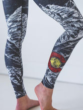 Load image into Gallery viewer, Mountain Sketch Leggings Women's