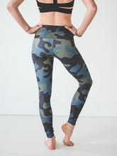 Load image into Gallery viewer, Moss Camo Leggings Women's