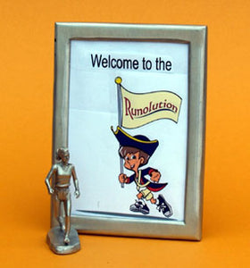 running picture frame gift with female figurine