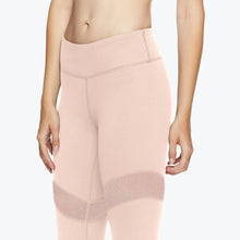 Load image into Gallery viewer, bleeker gaiam pink front legging closeup