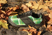 Load image into Gallery viewer, carson footwear tartan racer in green