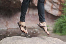 Load image into Gallery viewer, shamma sandals running woman jumping in shamma all browns