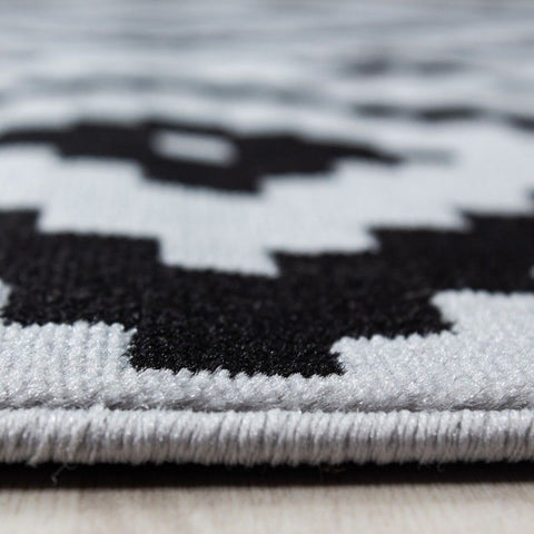 Geometric Rug Black and Grey Check Pattern Carpet Small Large Modern Bedroom Mat