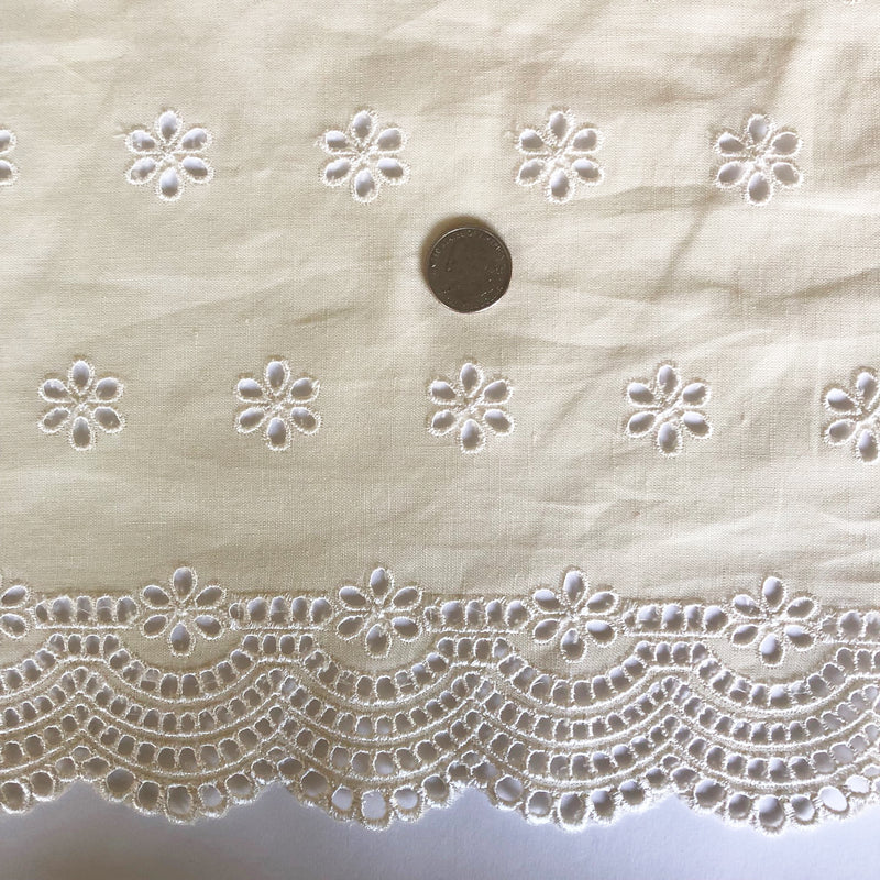 Custom Vintage Item - Cream Scalloped Eyelet