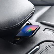 Load image into Gallery viewer, CarQiWireless Charging Pad for Cadillac XT5 2017 2018 2019 2020 2021