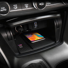 Load image into Gallery viewer, Wireless Charging for Honda Accord 2018-2020 with USB