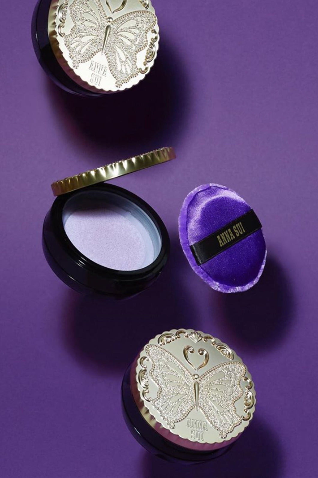 Anna Sui Loose Powder with Illuminating Brilliance R701