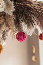 Afbeelding in Gallery-weergave laden, CHRISTMAS BALL CANARY PINK