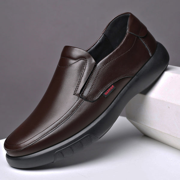 Men Pure Color Non Slip Slip On Casual Leather Shoes