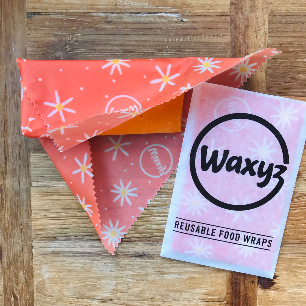 Daisy Waxyz food wrap in Small Orange.