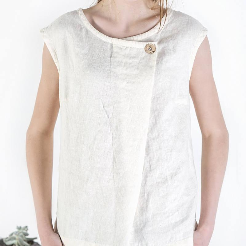 Loose Button Sleeveless Top