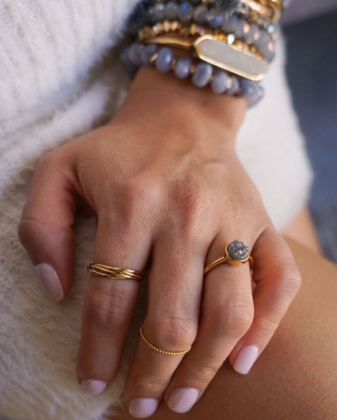 Kinsley Armelle/Goddess Collection/Gold Ring Set
