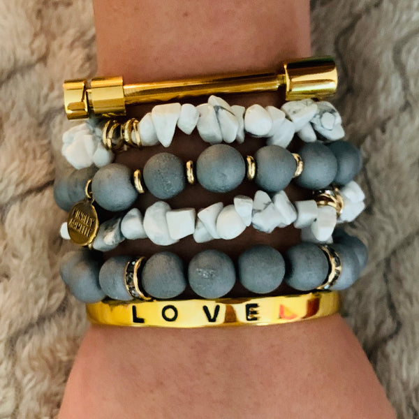 Kinsley Armelle/Love Collection/Gold Bracelet